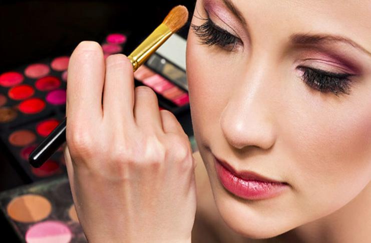 Cursos de maquiagens: Descubra onde fazer online e gratuito.